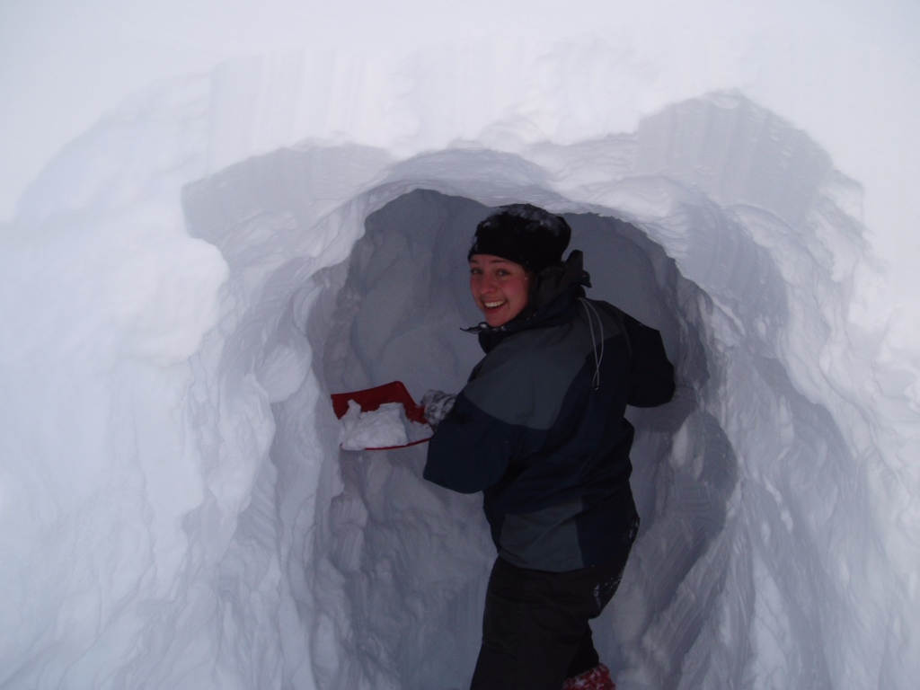 Perfekt sted og snø for snøhule