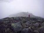 Mot toppen (1027 moh) over toppen (1023 moh)