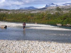 På vei opp mot Høgtua med Svartisen i bakgrunnen