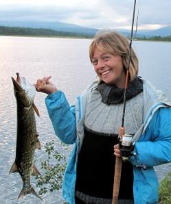 Stolt fisker med min første gjedde!