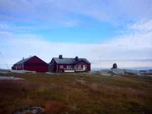 Blåhammarstugan - øverst på fjellet med utsikt i alle himmelretninger
