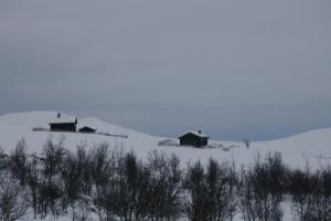 Øvre og nedre Svarttjønnholet sett fra nordvest